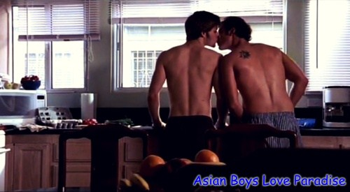 kitchen_hot_gay_couple_2