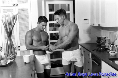 kitchen_hot_gay_couple_5