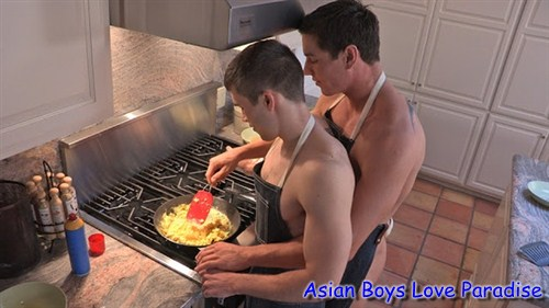 kitchen_hot_gay_couple_7