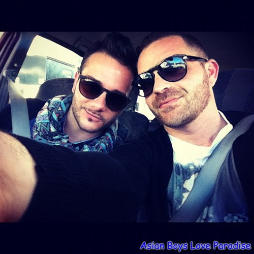 sunglasses_hot_gay_couples_1