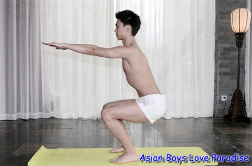 yoga chinese hunk3