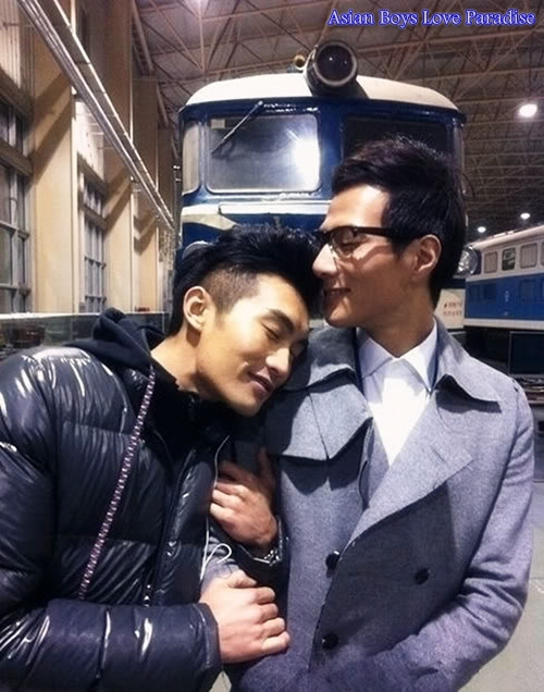 asian gay couple-35